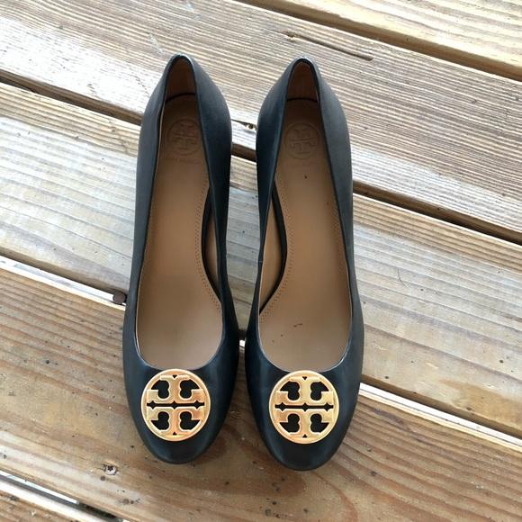 9ab9e2c6060 Tory Burch Benton block heels pump. M 5b985ded0cb5aac61dc281e7